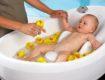 купание новорожденного малыша